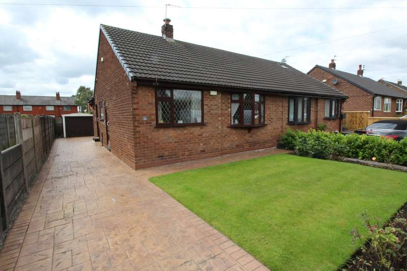2 Bedrooms Semi Detached Bungalow for sale in Westmorland Avenue, Dukinfield, Greater Manchester, SK16