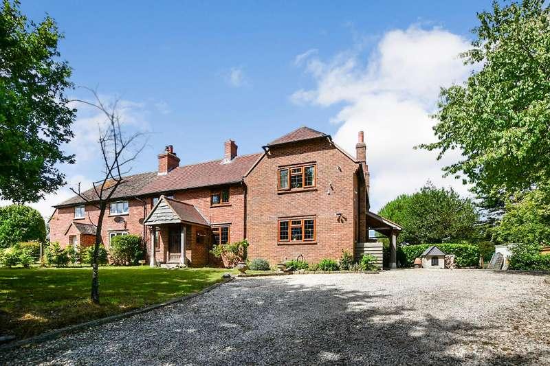 4 Bedrooms Semi Detached House for sale in Hill Lane, Barnham