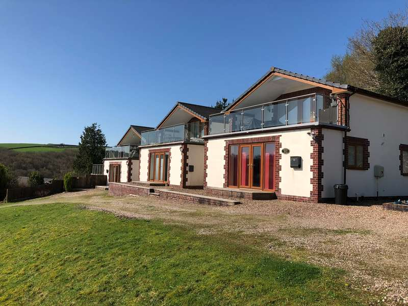 3 Bedrooms Chalet House for sale in Forest Park Lodges, High Bickington, Umberleigh, EX37