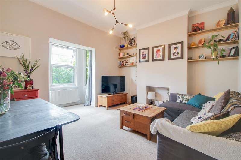 2 Bedrooms Flat for sale in Hither Green Lane, London