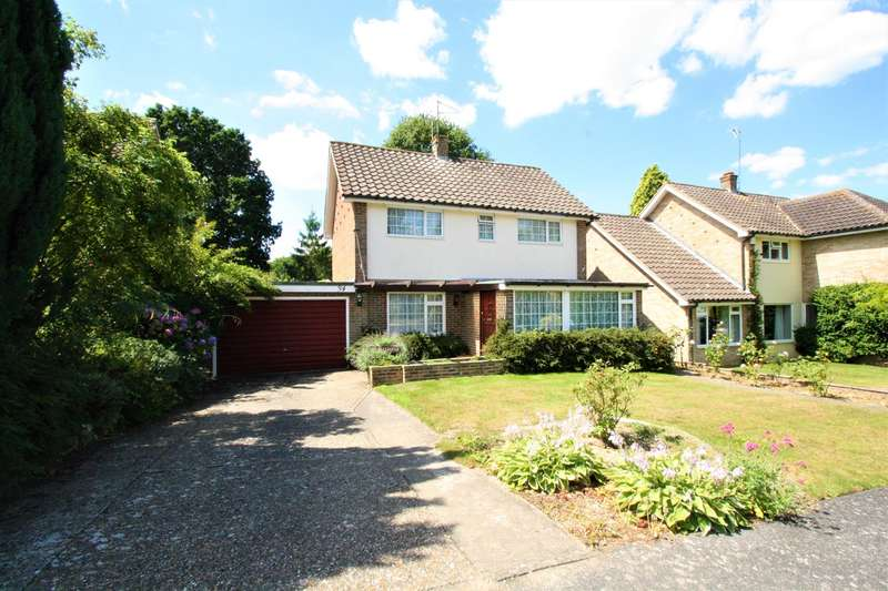 4 Bedrooms Detached House for sale in Beacon Hill, Dormansland, Lingfield, RH7