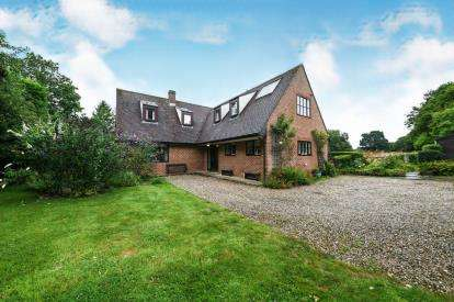 4 Bedrooms Detached House for sale in Thaxted, Dunmow, .
