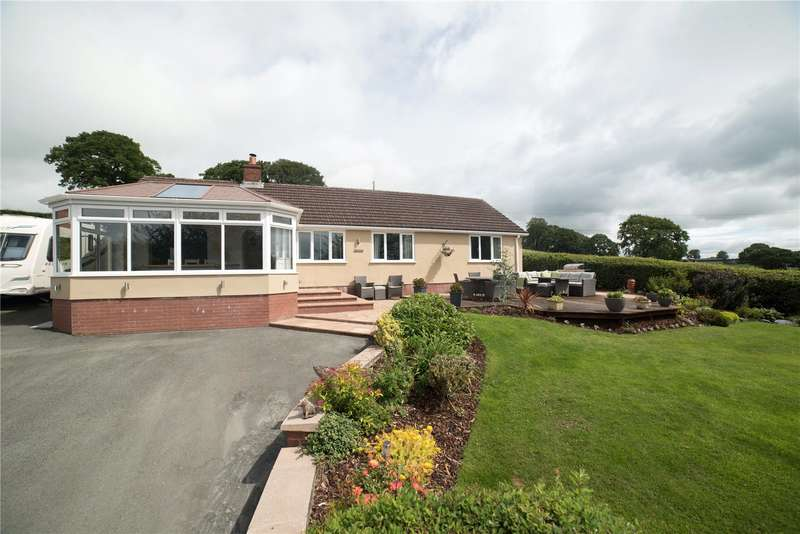 3 Bedrooms Bungalow for sale in Mochdre, Newtown, Powys, SY16 4JY