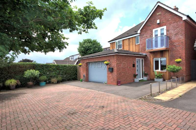 4 Bedrooms Detached House for sale in Firs Walk, Burntwood, WS7