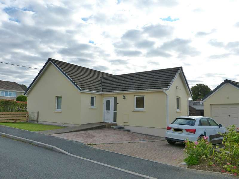 3 Bedrooms Detached Bungalow for sale in The Hawthorns, Coxhill, Narberth