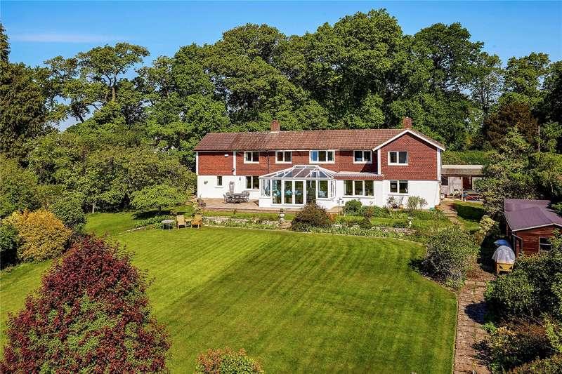5 Bedrooms Detached House for sale in Castle Walk, Wadhurst, East Sussex, TN5