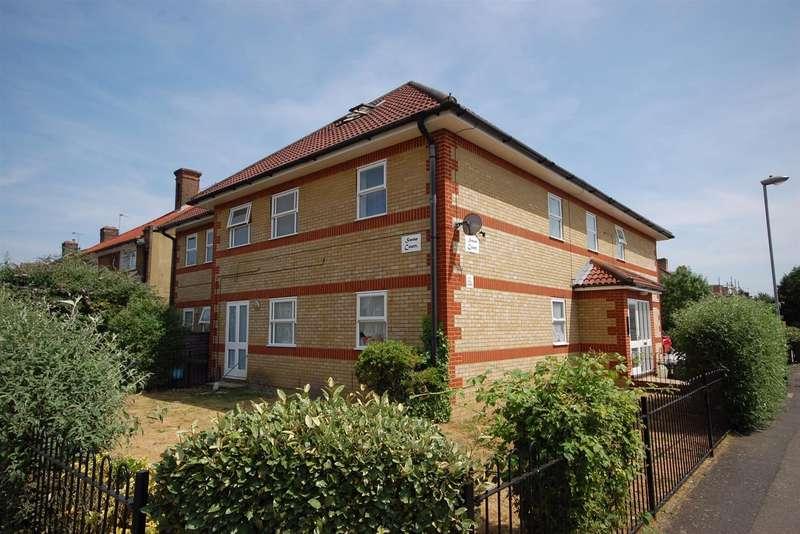2 Bedrooms Flat for rent in Swan Road, Hanworth
