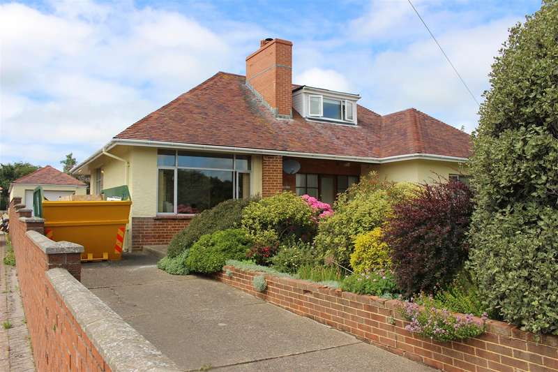 4 Bedrooms Detached Bungalow for sale in Steynton Road, Milford Haven