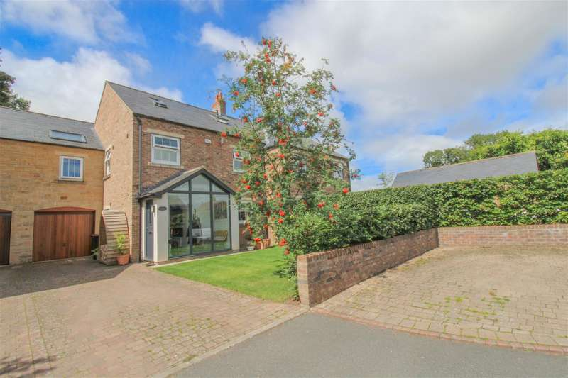 4 Bedrooms Terraced House for sale in Church Wood Close, Skelton-on-Ure, Ripon, HG4 5EG