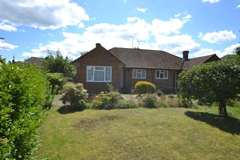 2 Bedrooms Semi Detached Bungalow for sale in The Close, Liphook, Hampshire, GU30