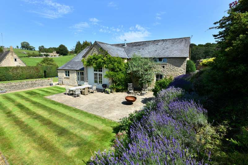 5 Bedrooms Barn Conversion Character Property for sale in Middle Duntisbourne, Cirencester