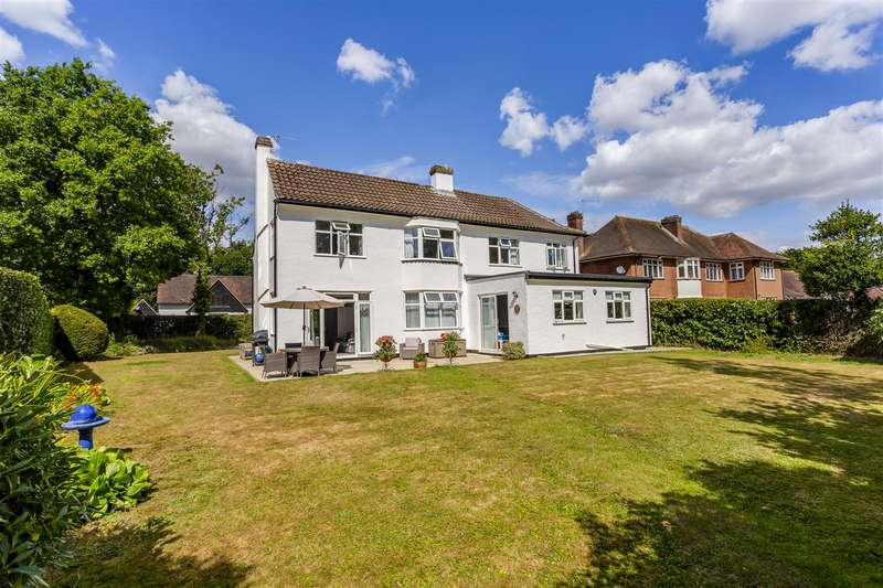 3 Bedrooms Detached House for sale in Rickman Hill Road, Chipstead, Coulsdon