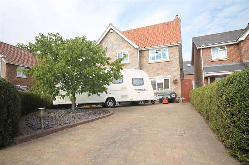 4 Bedrooms Detached House for sale in Springfield Meadows, Little Clacton