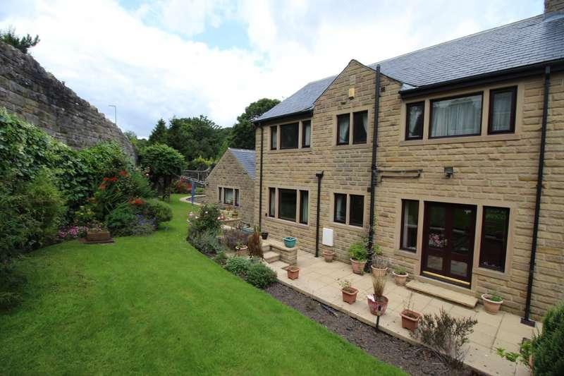 4 Bedrooms Detached House for sale in Caldene Avenue, Mytholmroyd, Hebden Bridge, West Yorkshire, HX7