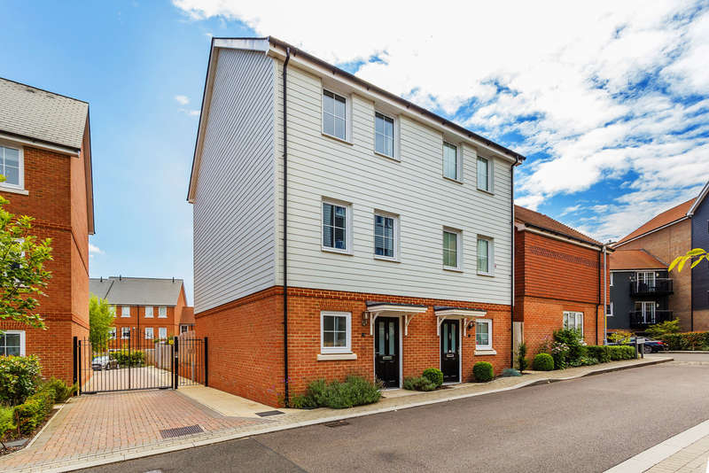 3 Bedrooms Semi Detached House for sale in Eden Road, Sevenoaks TN14