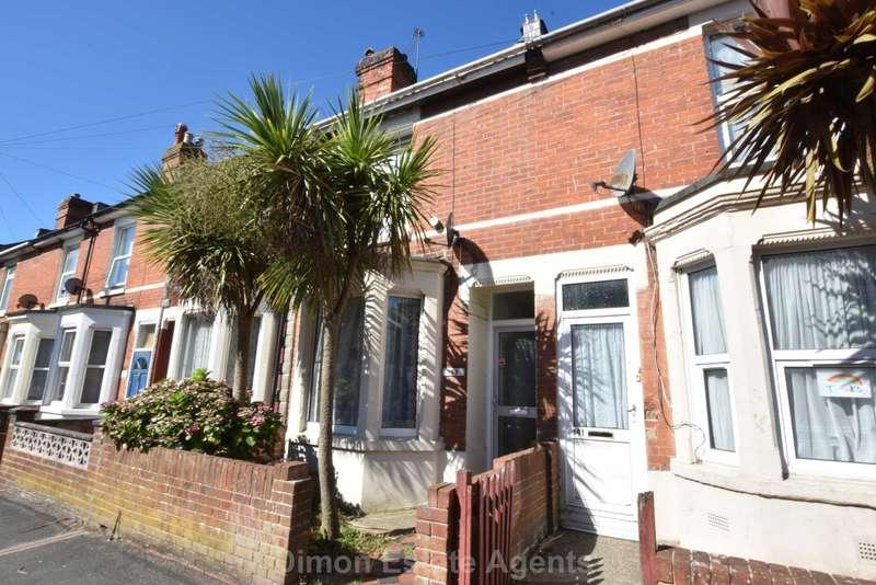 3 Bedrooms Terraced House for sale in Queens Road, Gosport