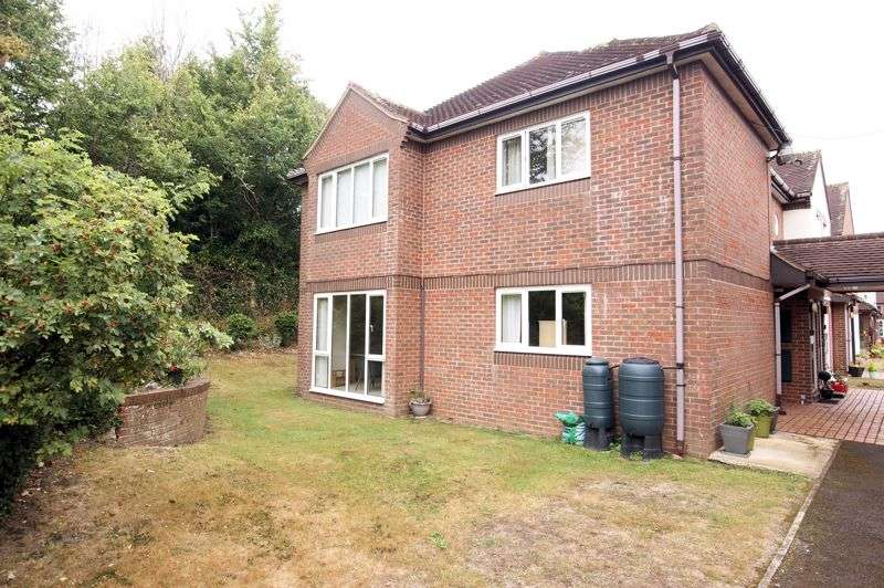 1 Bedroom Property for sale in Northwood Square, Fareham