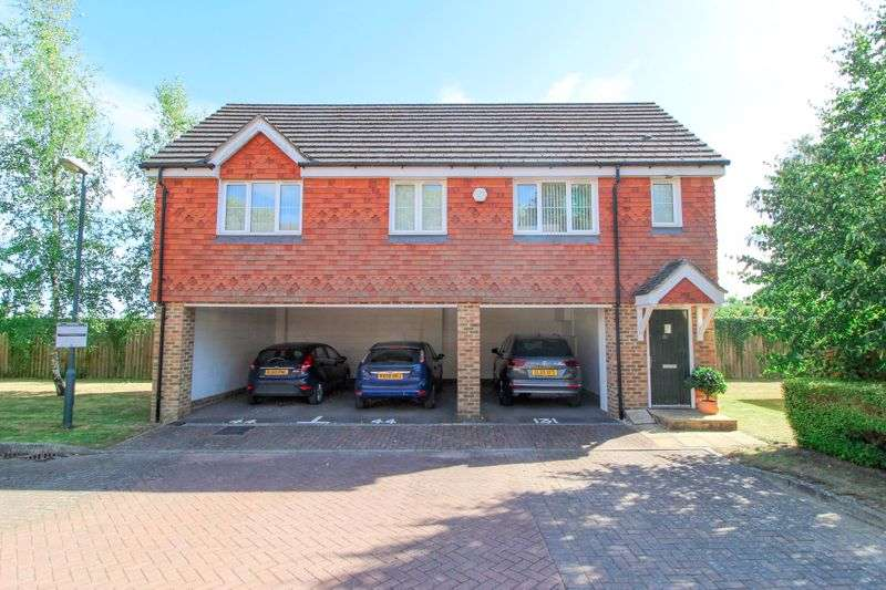 2 Bedrooms Property for sale in Albion Way, Edenbridge