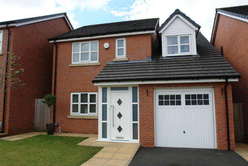 4 Bedrooms Detached House for sale in The Crescent, Shaw