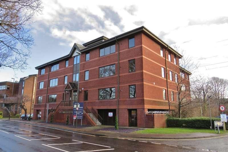 2 Bedrooms Flat for rent in Three Bridges, Crawley, RH10