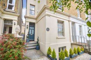 3 Bedrooms House for sale in Saxon Street, Dover, Kent