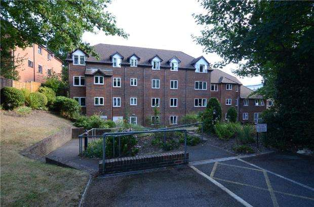 1 Bedroom Retirement Property for sale in Meadsview Court, Clockhouse Road, Farnborough