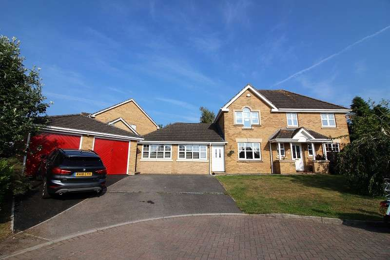 5 Bedrooms Detached House for sale in Heol Glaslyn, Caldicot