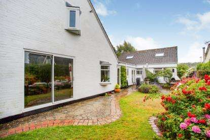 6 Bedrooms Detached House for sale in Clanfield, Waterlooville, Hampshire
