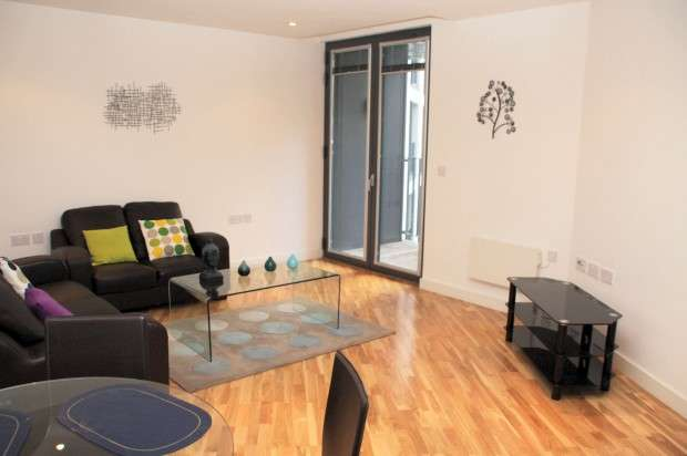 2 Bedrooms Apartment Flat for rent in The Hub, 5 Piccadilly Place, Manchester, M1