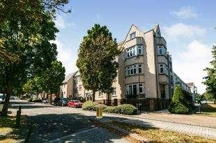2 Bedrooms Flat for sale in Ingress Park Avenue, Ingress Park, Greenhithe, Kent