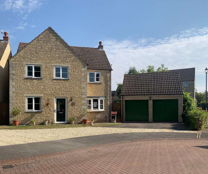 4 Bedrooms Detached House for sale in Swansfield, Lechlade