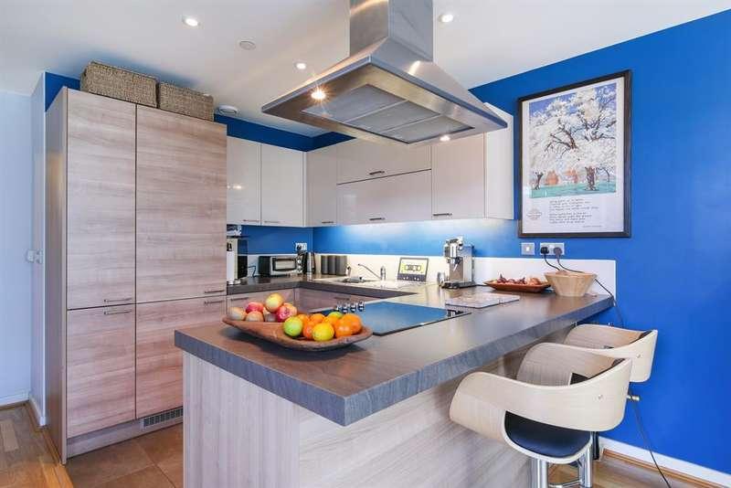 3 Bedrooms Flat for sale in Vertex Tower, Greenwich Creekside SE8