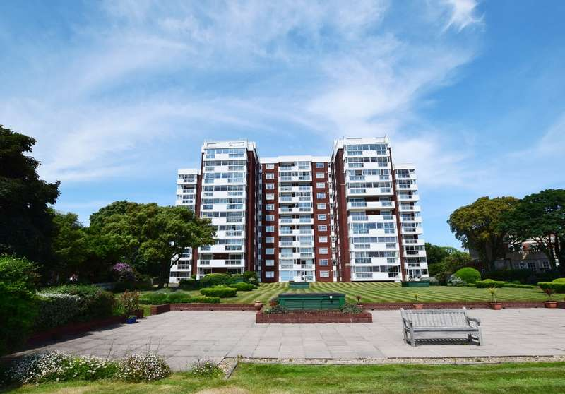 3 Bedrooms Flat for sale in Hinton Wood, Grove Road, East Cliff, Bournemouth, BH1