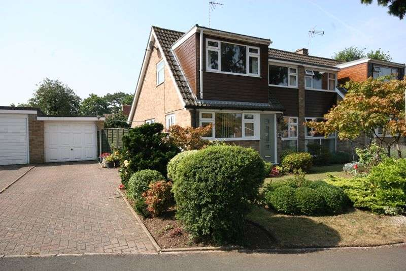 3 Bedrooms Property for sale in Colerne Drive, Hucclecote, Gloucester