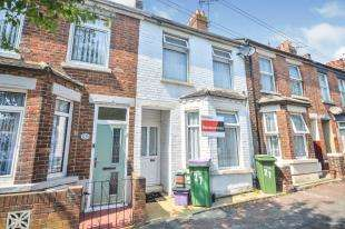 2 Bedrooms Terraced House for sale in Marshall Street, Folkestone, Kent
