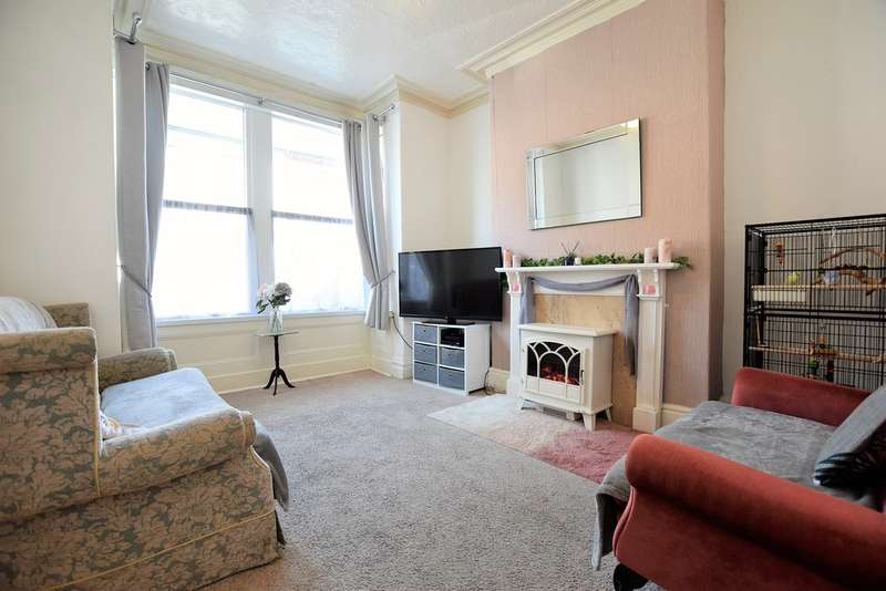2 Bedrooms Terraced House for sale in Gladstone Street, Blackpool