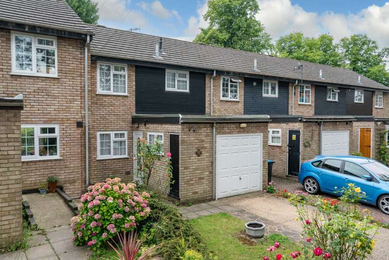3 Bedrooms House for sale in Pine Tree Close, Old Town