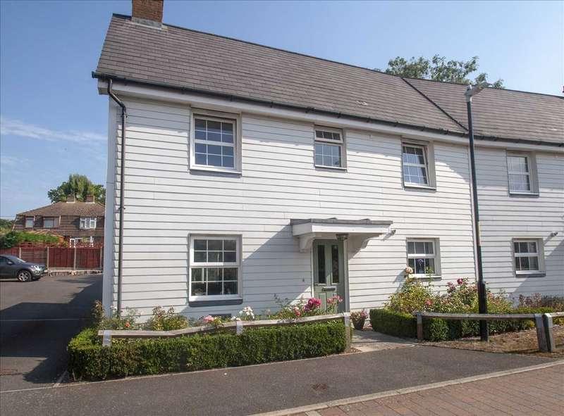 3 Bedrooms Semi Detached House for sale in Bill Deedes Way, Aldington, Kent TN25 7ES