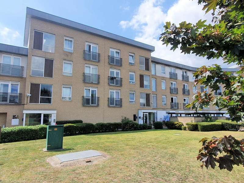 1 Bedroom Flat for sale in 44 Station Avenue, Southend on Sea, Essex, SS2 5EP