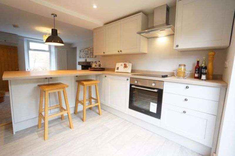 3 Bedrooms Property for sale in Lower Ochrwyth Risca, Newport