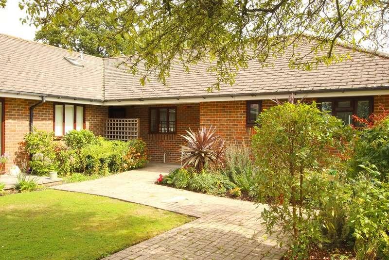 1 Bedroom Detached Bungalow for sale in Pyrford Gardens, Belmore Lane, Lymington, Hampshire