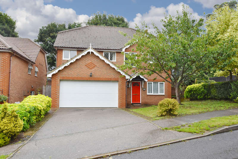 5 Bedrooms Detached House for sale in Cottage Close, Watford