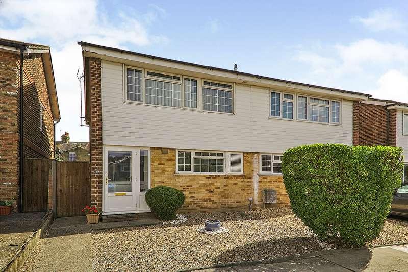 3 Bedrooms Semi Detached House for sale in Birchington Close, Bexleyheath, DA7