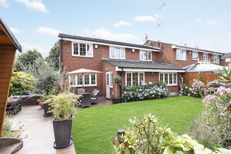 3 Bedrooms End Of Terrace House for sale in Park close, Victoria Park, E9