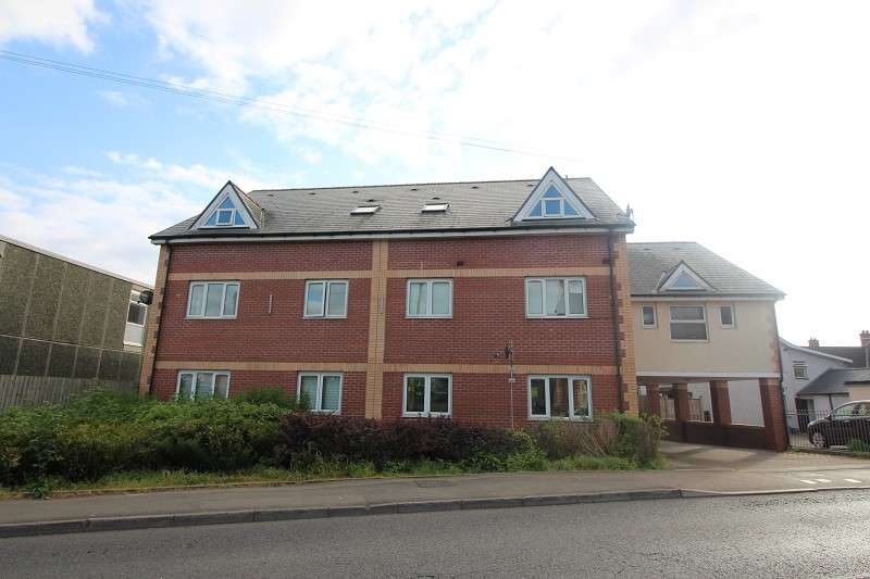 1 Bedroom Ground Flat for sale in Monmouth Court, Sandy Lane