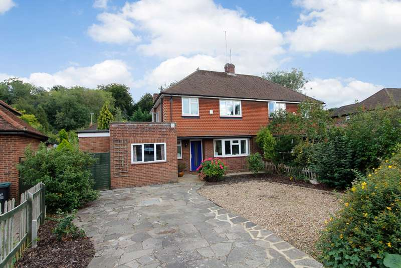 3 Bedrooms Semi Detached House for sale in Sherfield Avenue, Rickmansworth, Hertfordshire