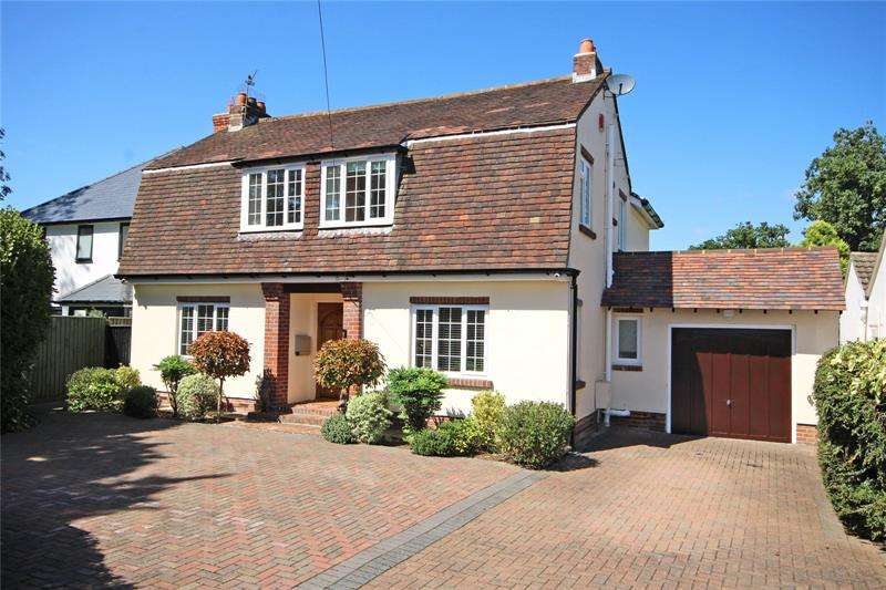 4 Bedrooms Detached House for sale in Lake Grove Road, New Milton, Hampshire, BH25