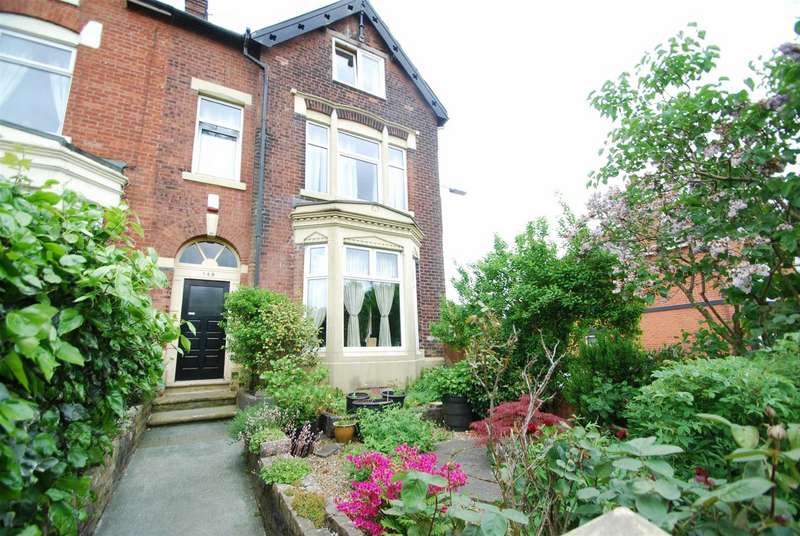 4 Bedrooms Terraced House for sale in Chesham Road, Chesham