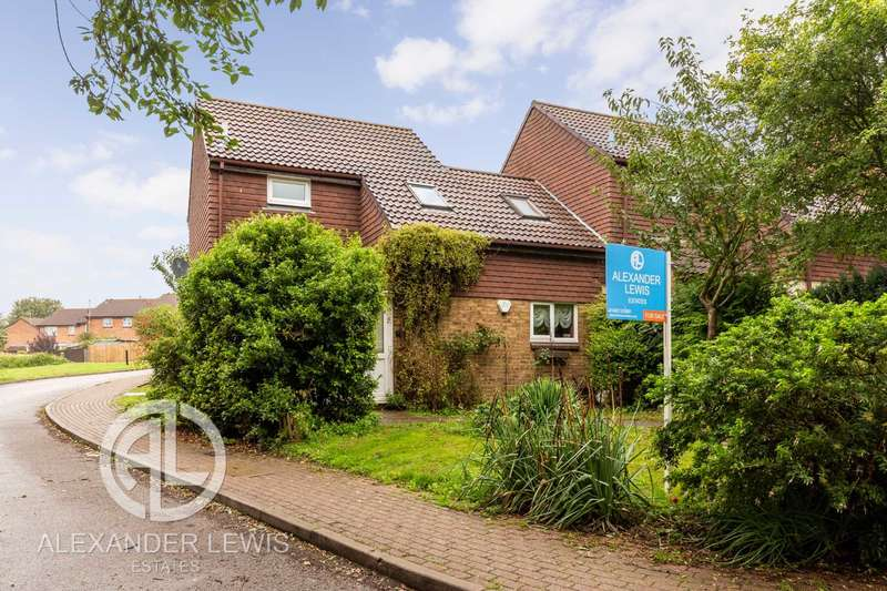 3 Bedrooms Semi Detached House for sale in Jay Close, Letchworth Garden City, SG6 4YH
