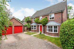 4 Bedrooms Detached House for sale in Quarry Bank, Tonbridge, Kent, United Kingdom